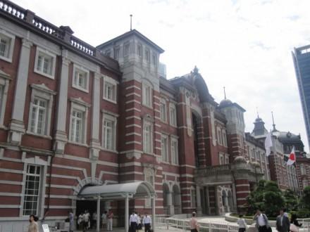 東京駅 (800x600)