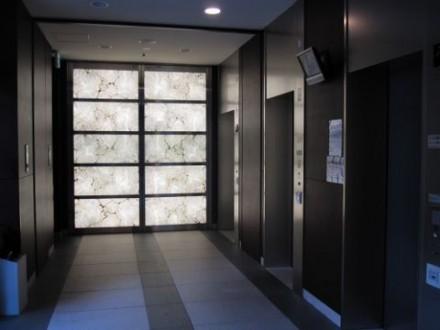 ローレルタワー梅田エレベーターホール (480x360)