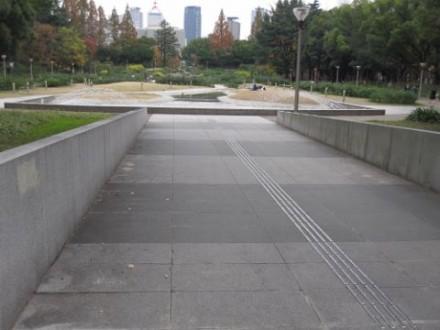 靭公園 (480x360)