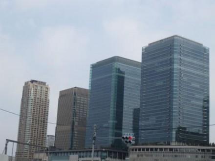 大阪駅周辺ビル群 (480x360)