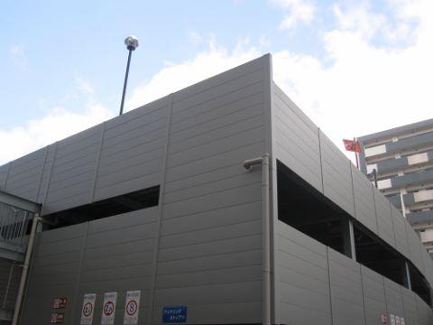 マンション駐車場 (480x360)